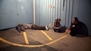"""Vor dem Obdachlosenasyl in """"L'Abri"""""""